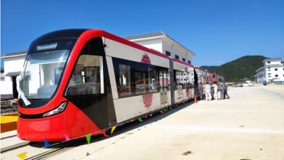 最高运行速度70km/h!首批云南制造现代有轨电车亮相,就在...