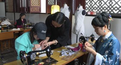 石屏开展手工旗袍制作培训班  让传统文化接续传承