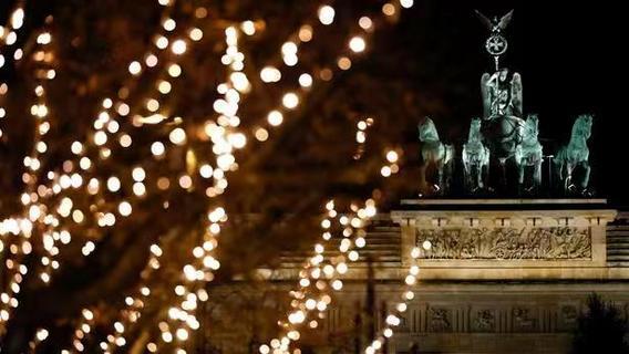 欧洲多国圣诞节放宽限制 欧盟警告当心第三波疫情
