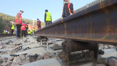 铺轨工程启动!丽香铁路计划于今年年底通车