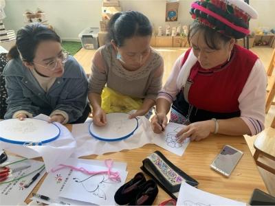 大理:传统文化润童心 非遗教学走进幼儿园课堂