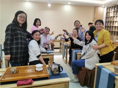 学茶艺做香包,红河州文旅局举办妇女节活动