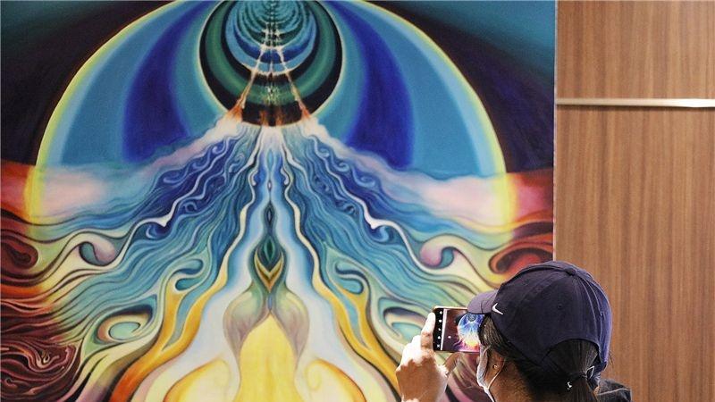 图集 | 在绚烂的色彩中 看见杨晽波的星光世界