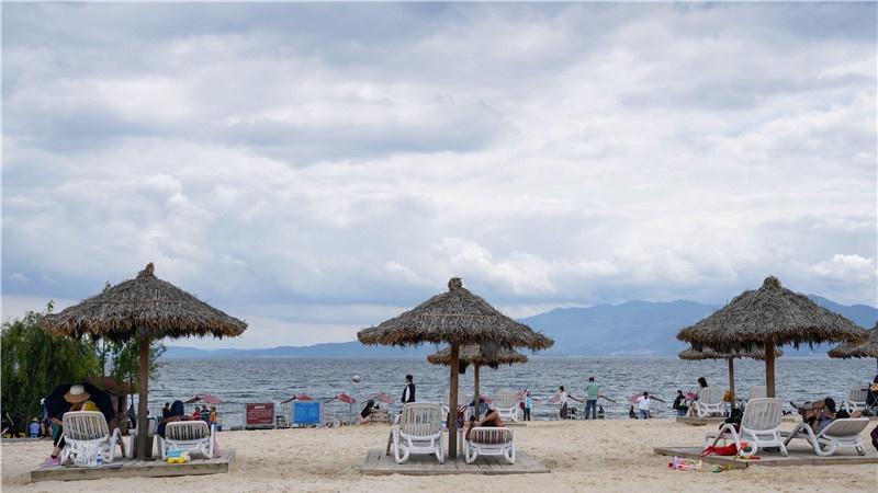 图集 | 澄江月亮湾  阳光沙滩还有一片海蓝蓝