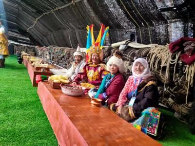 走进班戈赛马节 体验游牧文化民俗风情
