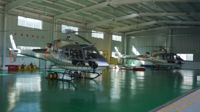 """培养全国首批藏族民用直升机飞行员17名,江苏助力贫困学生""""鹰""""击长空!"""
