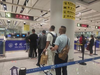 """昆明边检:国庆我在岗 奋战在""""疫""""线"""