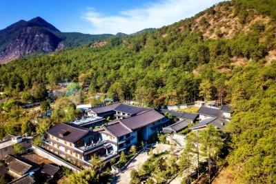 """丽江半山酒店·为一间房赴一座城丨用""""松赞""""的方式体验丽江"""