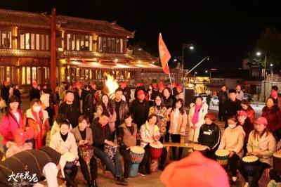 美食、美景、民谣、篝火...来丽江开启一场特别的旅行