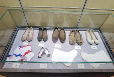周末到了,去丽江市博物院看朝鲜族传统服饰展吧!